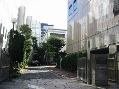 校舍外街景